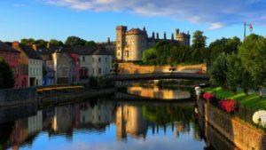 kilkenny-castle in evening sun